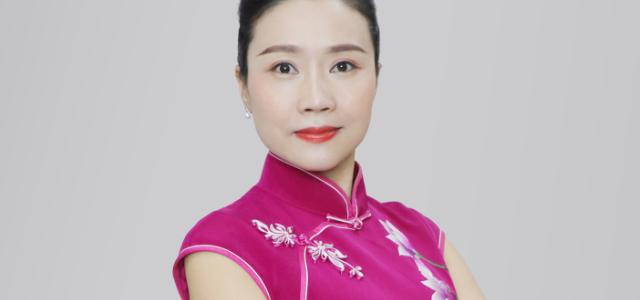 易君尹锋美女图片